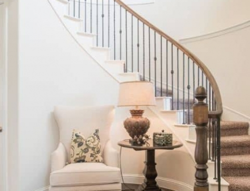 7 Ideas to Decorate Your Curved Stairs
