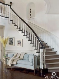7 Ideas to Decorate Your Curved Stairs 2