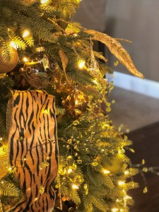 christmas, tree, holiday, interior, design, green, gold, animal print